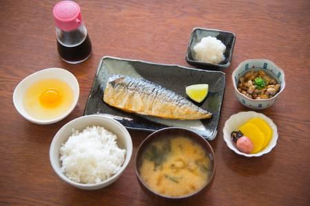 87050746-traditional-japanese-breakfast-with-mackerel